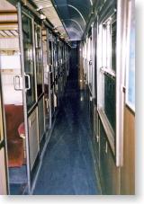 列車内の通路とコンパートメント
